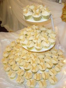 GoldenButterflyCupcakes