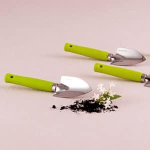 green shovel