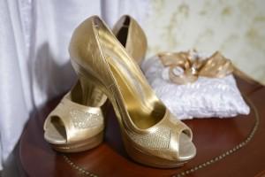 shoes-448350_640