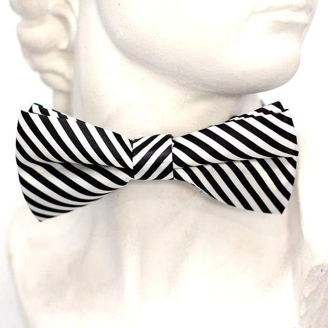 stripe tie