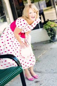 vintage-woman-635255_640