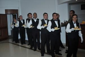 waiters-668405_1920