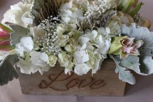 flowers-1203699_640