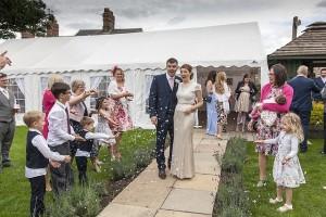 marquee-wedding-1070209_640