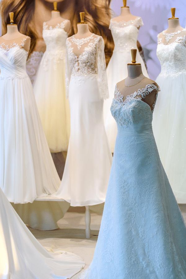 white-wedding-dress-salon