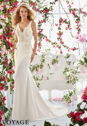 10 Top wedding dress tips for your destination wedding