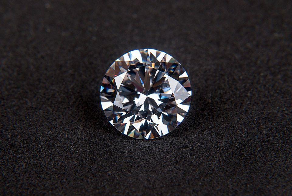 diamond gem cubic zirconia jewel