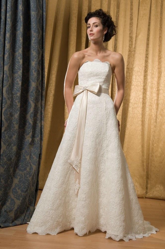 view dress alfred sung bridal 6805 alfredsung bridal. Black Bedroom Furniture Sets. Home Design Ideas
