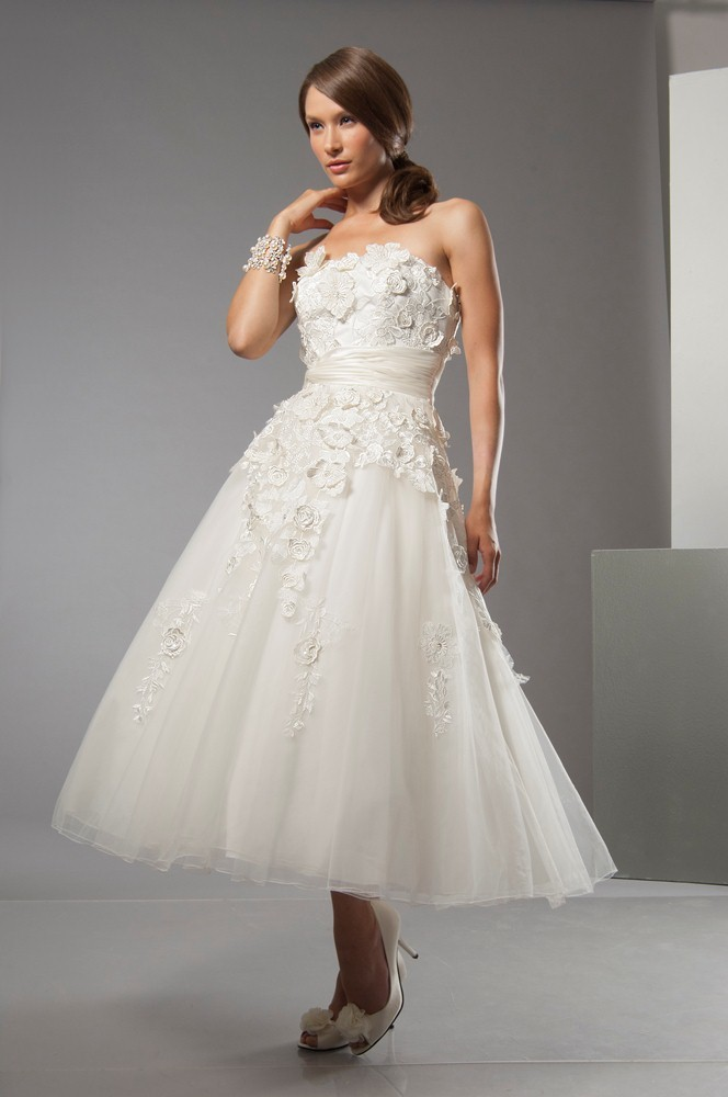dress alfred sung bridal 6884 alfredsung bridal. Black Bedroom Furniture Sets. Home Design Ideas