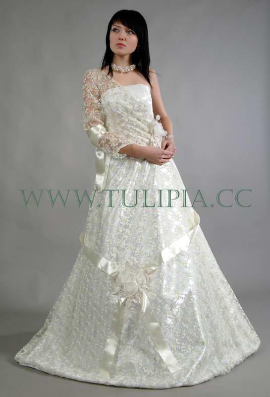 свадебные платья с красной лентой