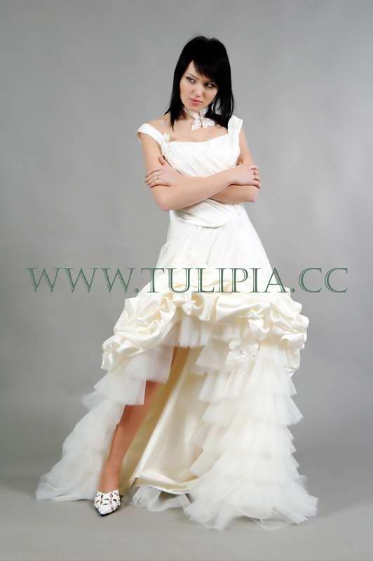 Dress tulipia spanish tulipia bridal for Wedding dresses spanish designer
